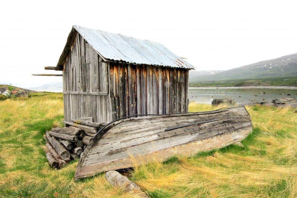 Meriaitta ja venet ● Sjøbu og båt