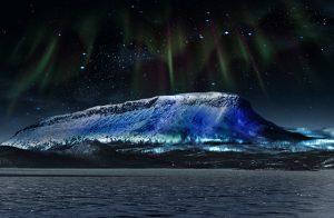 Luminous Finland – Saana juhlavalaistaan • Synlig i tre land: Saana-fjellet får jubileumsbelysning