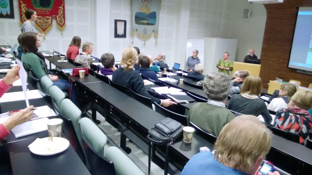Universitetet i Tromsø arrangerte et kvensk revitaliseringsseminar i oktober. Til stede var rundt 50 språkbrukere, lærere, studenter, forskere og folk fra ulike organisasjoner og institusjoner som har kvensk i sitt arbeidsfelt. KUVA LIISA KOIVULEHTO