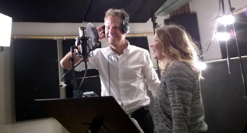 Jens Johan Hjort og Noora Ollila i studio