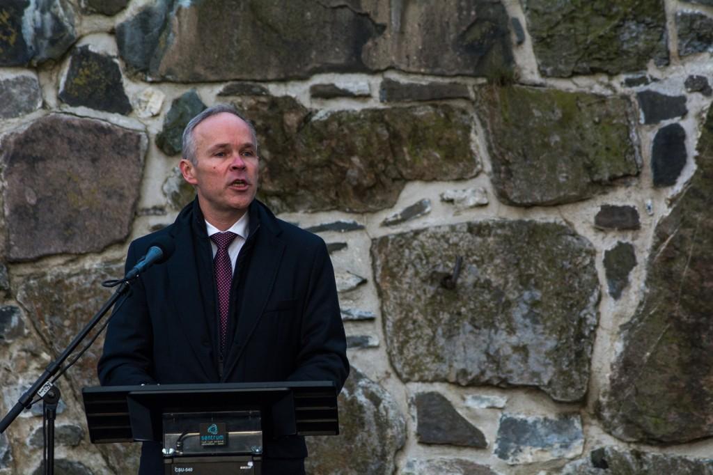 Komminal- og Moderniseringsminister Jan Tore Sanner mener det er for tidlig å snakke om heving av kvensk. Bildet er tatt i en annen anledning. KUVA KOMMUNAL- OG MODERNISERINGSDEPARTEMENTET