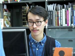 Bibliotekaari Huan Than näkkee ette Nasunaalibiblioteekissa oon 1176 kirjaa mikkä oon registreerattu hakusanala «kvensk».