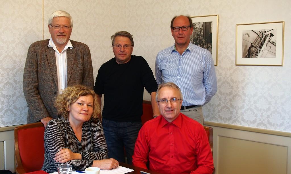 Tidenes første Kvensk kirkelivsutvalg hadde sitt møte i Tromsø 31. august 2015. Foran Kristin Mellem (Tromsø) og Egil Borch (Porsanger). Bak Bjørn Hammervold (Nordreisa), Egil Sundelin (Alta) og utvalgets sekretær Ivar-Jarle Eliassen (Nord-Hålogaland bispedømme).