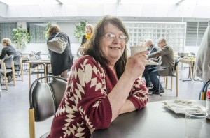 Anne-Gerd Jonassen fra Kvænangen savnet kvenske håndarbeidsprodukter, så hun designet like godt kvensokker etter inspirasjon fra sokker hun fant i Finland.