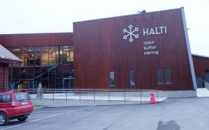 Halti-sentterin logo symboliseeraa valkkeeta, aurinkoo ja kaikkee muutaki hyvvää.