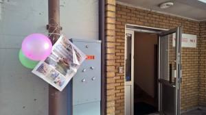 Det var pyntet ved inngangen til vårt kontor i Tromsø.