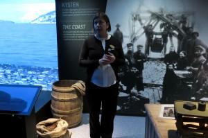 Lise Brekmoe oon ylppee ja iloinen ette Pohjais-Tromssan museuumi oon viimin saanu oman pyssyyvän näyttelyn. KUVA: LIISA KOIVULEHTO