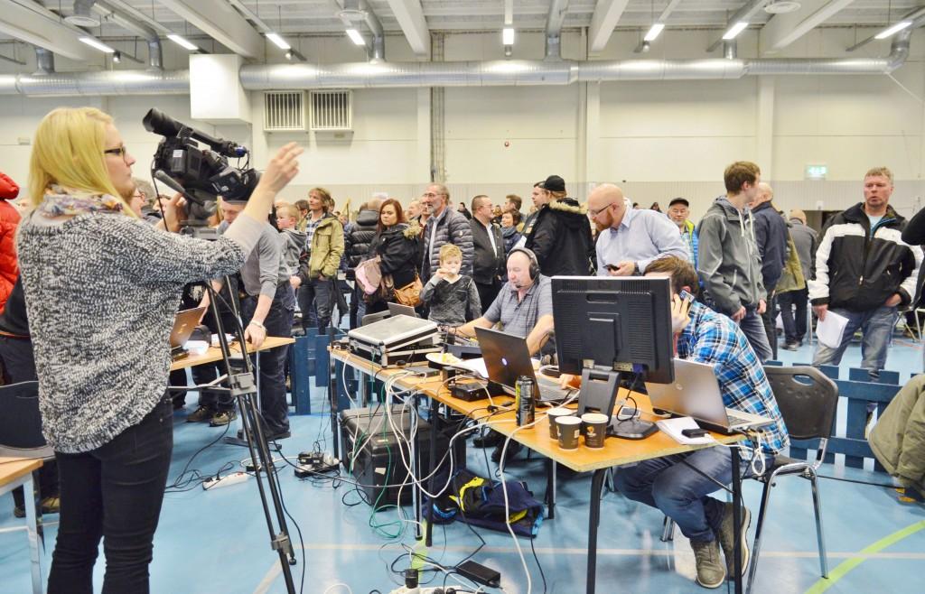 Laksekorttrekninga i begynnelsen av mars er årets begivenhet for flere tusen fiskeentusiastene i Alta. Radio Alta pleier å ha direktesending fra kortsalget. Tv Nord og Altaposten.no har også live streaming fra begivenheten.