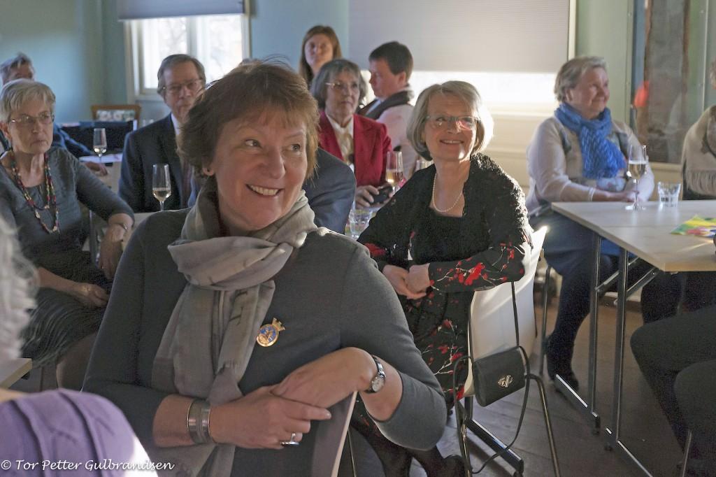 Osloordfører Marianne Borgen følger interessert med. KUVA TOR PETTER GULBRANDSEN