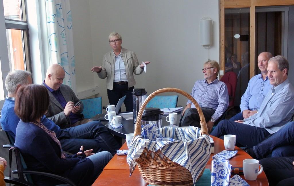 Styreleder i Varanger Museum, Wenche Pedersen, kan fortelle at de ønsker å kjøre en ny prosess i forhold til navnet på Ruija Kvenmuseum. Bildet ble tatt under en omvisning i museets nye lokaler på det tidligere NRK-bygget i Vadsø. KUVA HEIDI NILIMA MONSEN