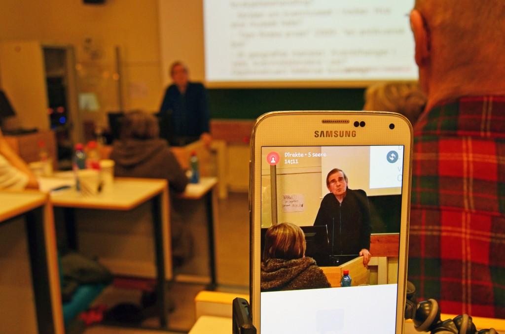 Ruijan Kaiku livestreamet Einar Niemis innlegg om urfolk og kvener under NKFs landsmøte. KUVA HEIDI NILIMA MONSEN