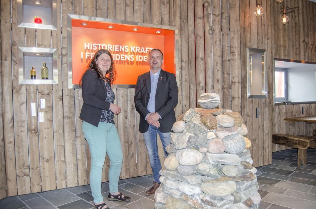 Silja Mattila og Willy Ørnebakk ser fram til å presentere en handlingsplan for kvensk språk og kultur for Troms i løpet av året. KUVA HEIDI NILIMA MONSEN