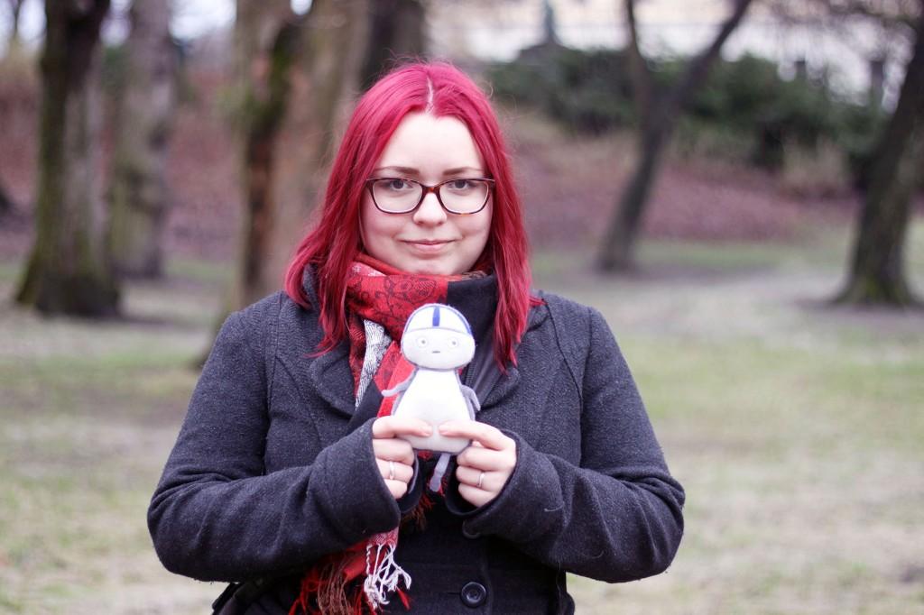 Karoliina Korhonen otti Oslon matkalle mukaansa Matti-pehmolelun. Matti kävi Kuninkaanlinnalla siinä toivossa, että tapaisi Norjan kuninkaalliset. KUVA KAROLIINA HUHTANEN