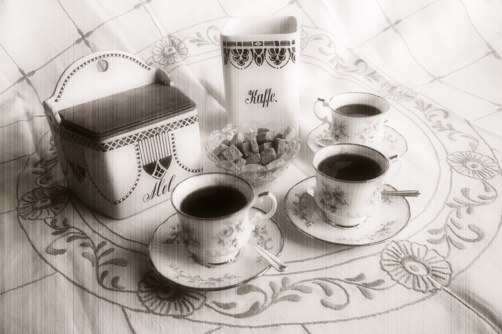 «Kväänin sanat olthiin pakattu parhaasheen mitä meilä oli. Pakattu kaffikuppiitten kilinhään ja naurhuun.» Illustrasjonsfoto. KUVA: LIISA KOIVULEHTO