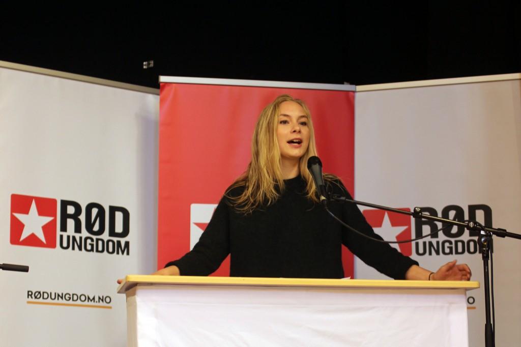 Linn-Elise Øhn Mehlen, leder av Rød Ungdom, ønsker å synligjøre de nasjonale minoritetene. KUVA RØD UNGDOM