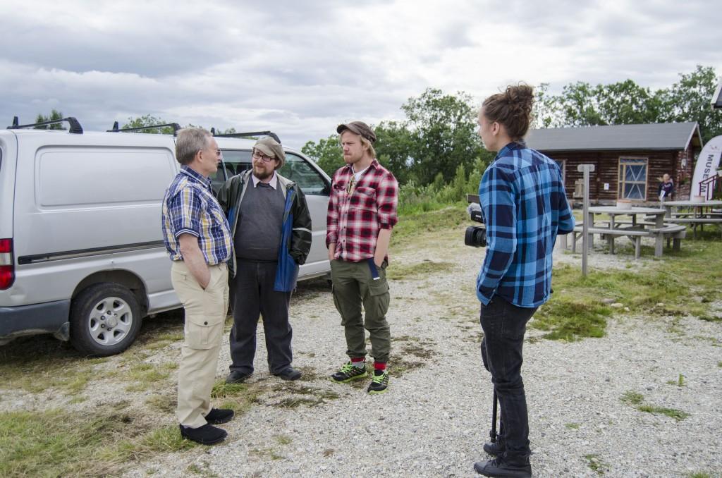 Her blir terje Aronsen intervjuet av Juho Hannikainen, Jonne Putkonen og Jaani Leinonen i Lönnroots. KUVA HEIDI NILIMA MONSEN