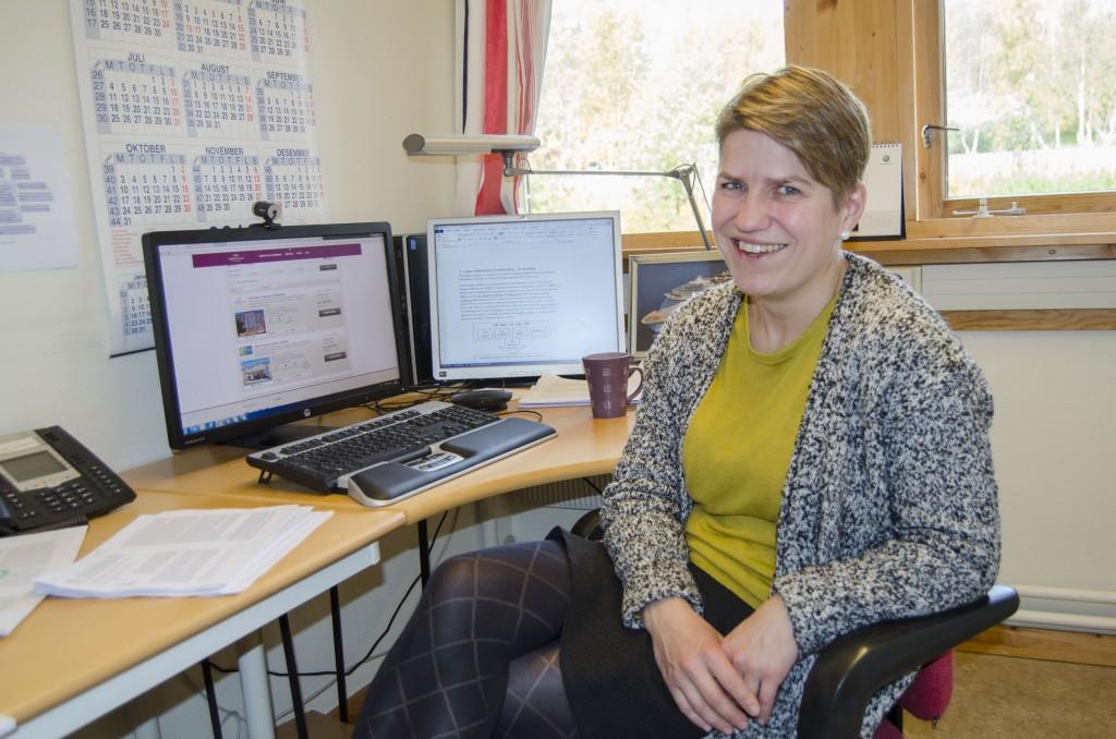Matematiker Anita Movik Simensen håper matematikkundervisning på kvensk kan være med å redde språket. KUVA HEIDI NILIMA MONSEN