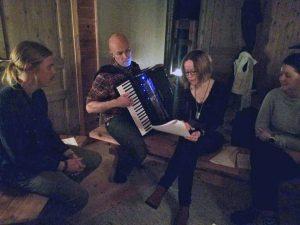 I tillegg til flaggdiskusjonene, besto høstsamlingen av en musikkworkshop med Jan Johansson og Susanna Rantatalo, kjent fra blant annet Jord.