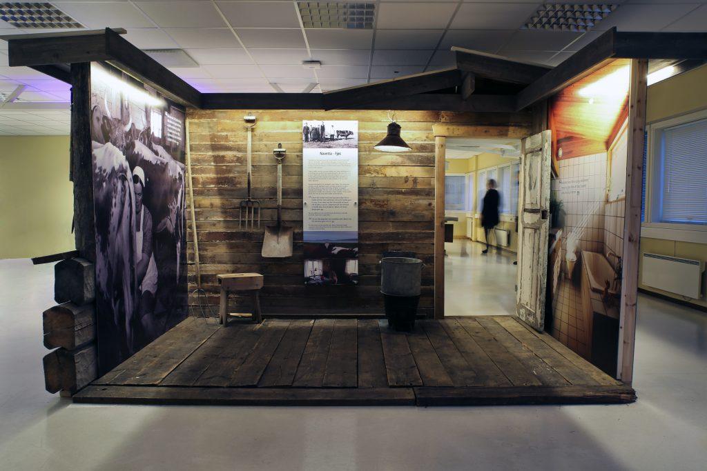 Vadsø museum - Ruija kvenmuseum har blant annet bygget opp en modell av et typisk fjøs i Varangerhuset. KUVA MONICA MILCH GEBHARDT, VARANGER MUSEUM