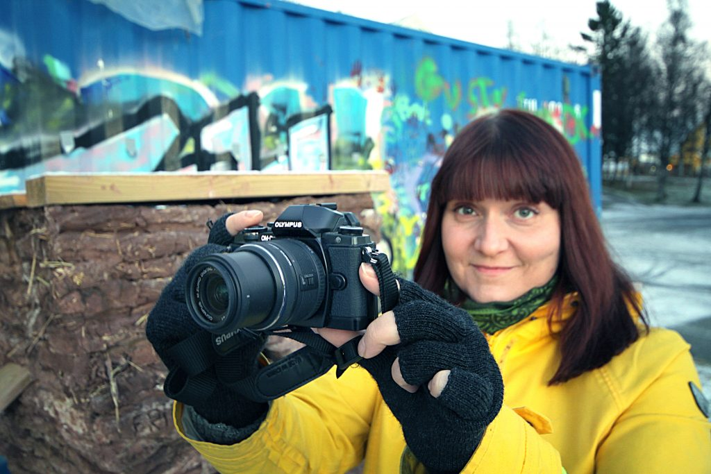 – Nyt kaikki kuvaamaan ja osallistumaan! Finn fram kameraet og send inn bilder! kehottaa Anne Mäkinen. KUVA: LIISA KOIVULEHTO