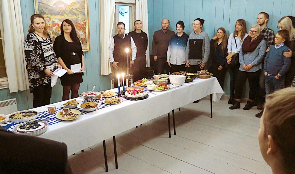 Finland fylte 99 år 6.12. 2016. Nedtelling til jubileusåret 2017 har startet for ordentlig. Norskfinsk forening i Tromsø markerte dagen med en liten spleisefest på museushuset Skansen. KUVA: LIISA KOIVULEHTO