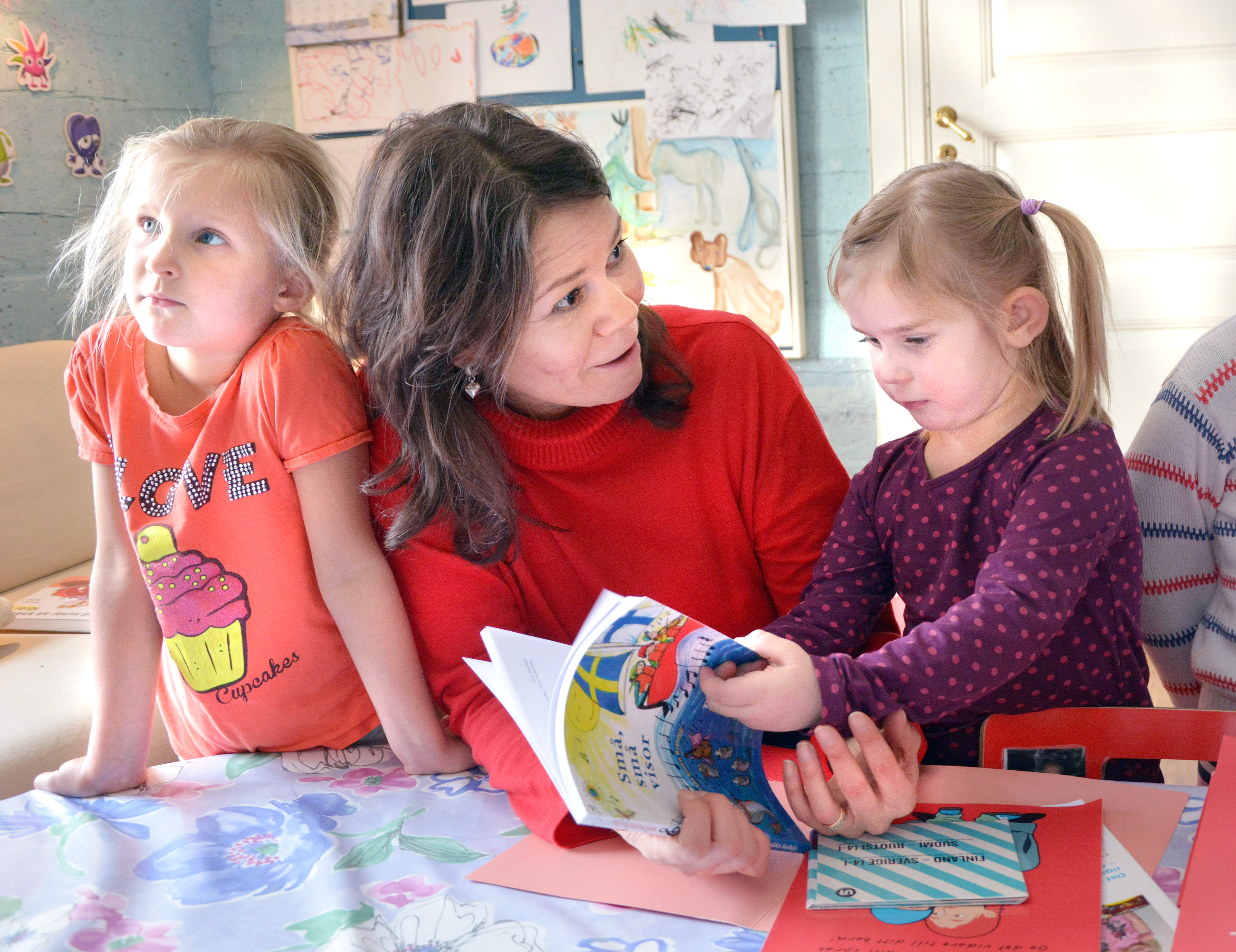 Fra arkivet: Nuoret ruotsinkieliset vanhemmat haluavat lapsiensa oppivan meänkieltä