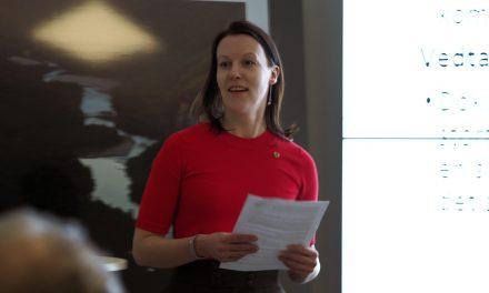 Ruijan kveeniliitto korjaa tiettoo norjalaistamispolitikista Isotingan kommisjuunii varten