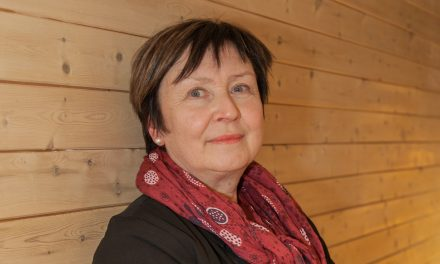 Grethe har godjobben – hun snakker kvensk med ungene