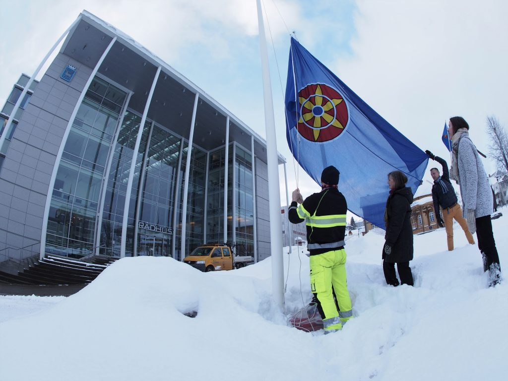 kvenflagg heises tromsø rådhus Tromsø bydrift Tromsø kvenforening