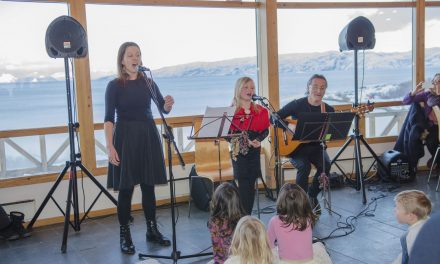 Musikkforestilling for store og små