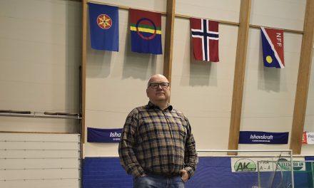 – Vi er nok den første arenaen i verden med kvensk flagg