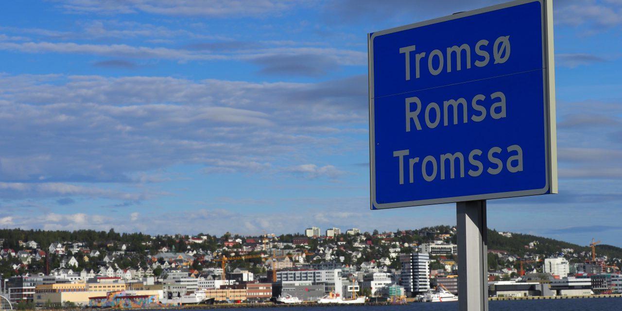 Tromssa kolmela kielelä