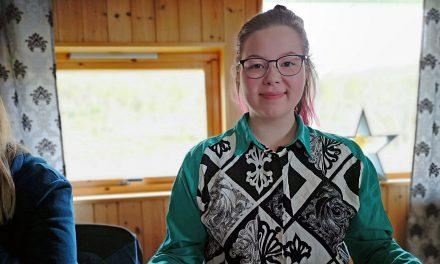 Noora snakket om sin flerkulturelle identitet på samisk tv