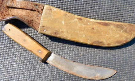 Vanhaa veitti • Gammel kniv