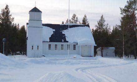 Kvenkommune må stenge kirker