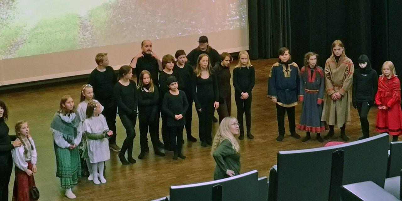Ruijan Radio tok pulsen bak scenen på Kyläpeli