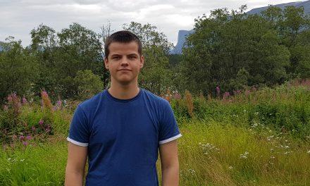 Mathias er ensom svale i finsk-klassen: – Språket trenger bedre inkludering