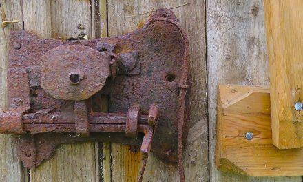 Bak lås og slå • Varmassa tallessa
