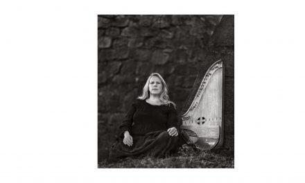 Sinikka slipper album inspirert av skogfinsk mytologi